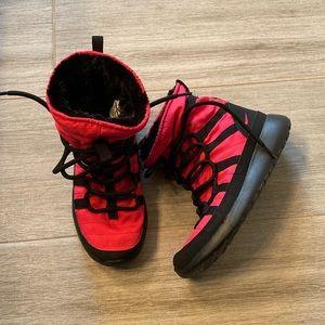 Nike Roshe Boots